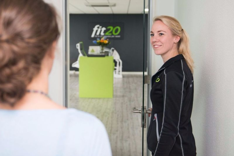 fit20 staff smile